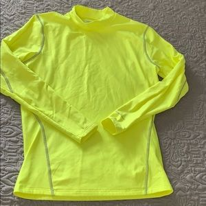 NWOT-Thermal running shirt size small